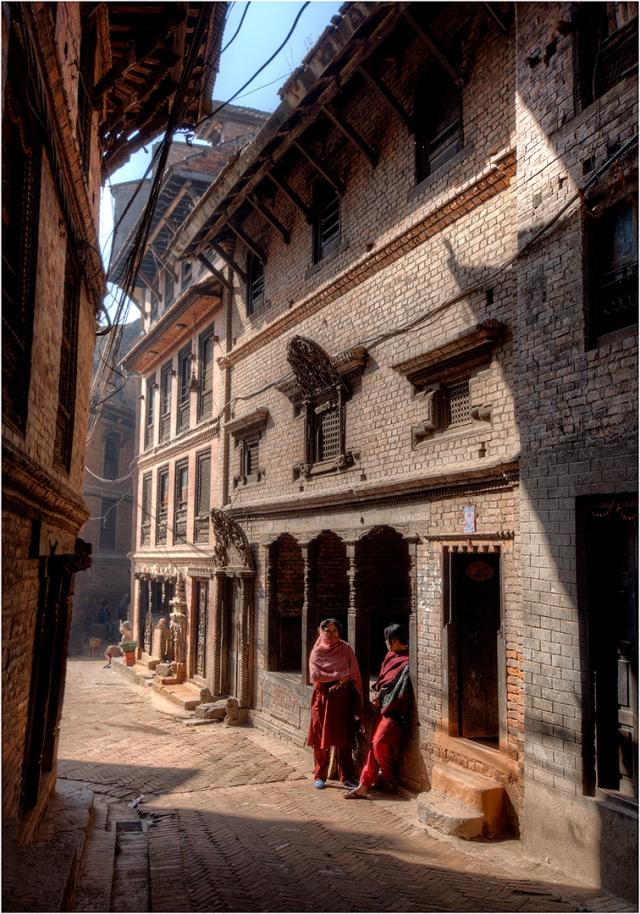 Laneway-Bhaktapur-NEP037-14x19 copy