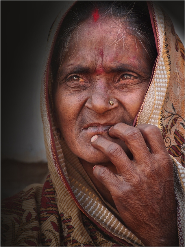 Nepalese-Old-Women-NEP080-15x20 copy