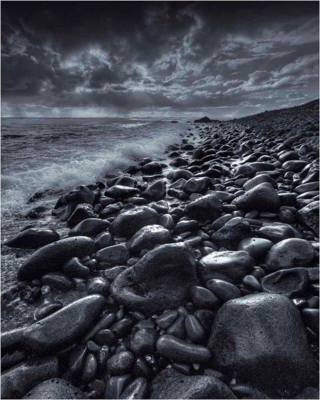 Pebbled-Coastline-at-Dusk-LHI059M-16x20 copy