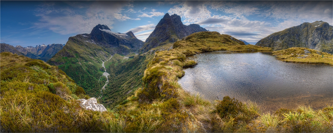 Mackinnon-Pass-Milford-Track-NZ0152-12x30 copy