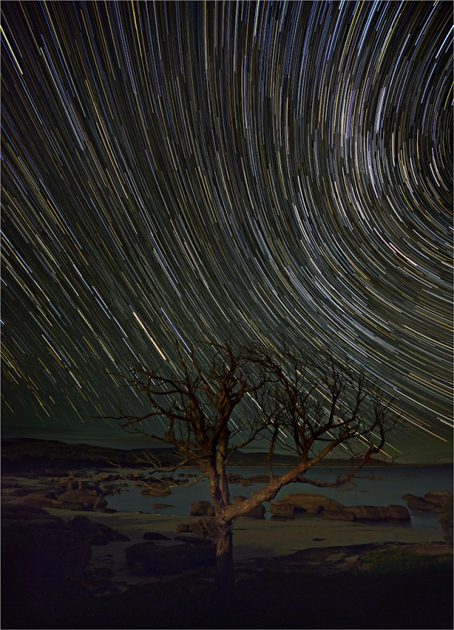Sawyers-Bay-Startrails-FI01-18x25