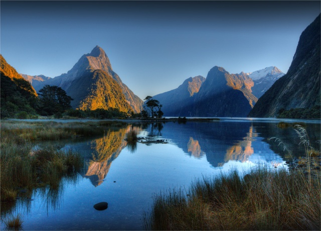 Mitre-Peak-Milford-Sound-First-Light-NZ0300-18x25