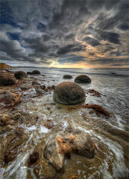 Moeraki-Boulders-NZ0303-18x25