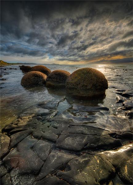 Moeraki-Boulders-NZ0304-18x25