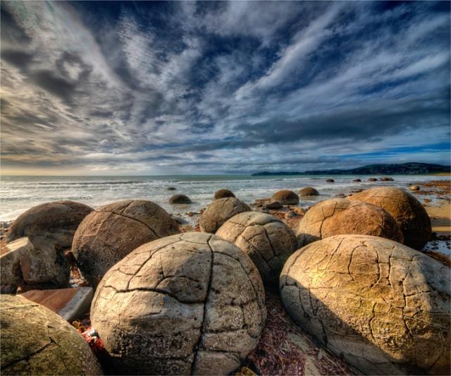 Moeraki-Boulders-NZ0305-20x24