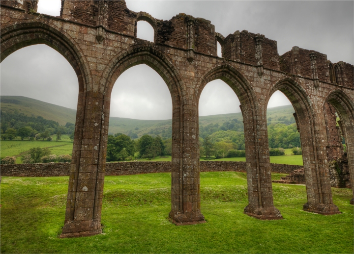 Llanthony-Priory-WLS045-18x25 copy