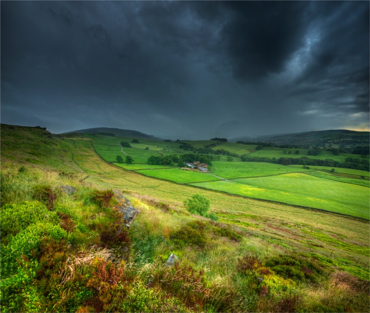 Peak-District-Storm-E0752-22x26