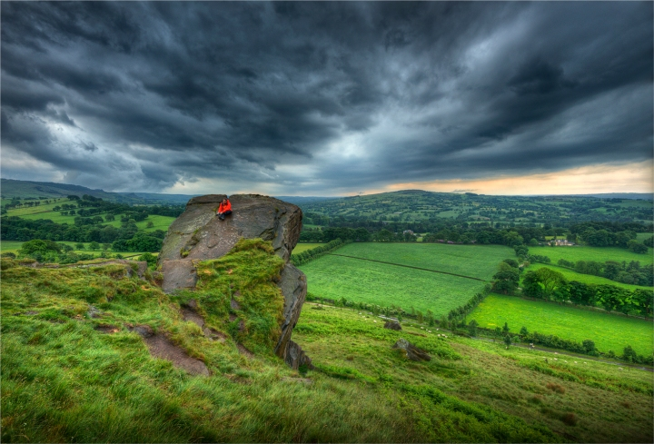 Storm-over-the-Roaches-E0751-17x25