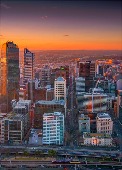 Melbourne-Dusk-2014-06-18x25