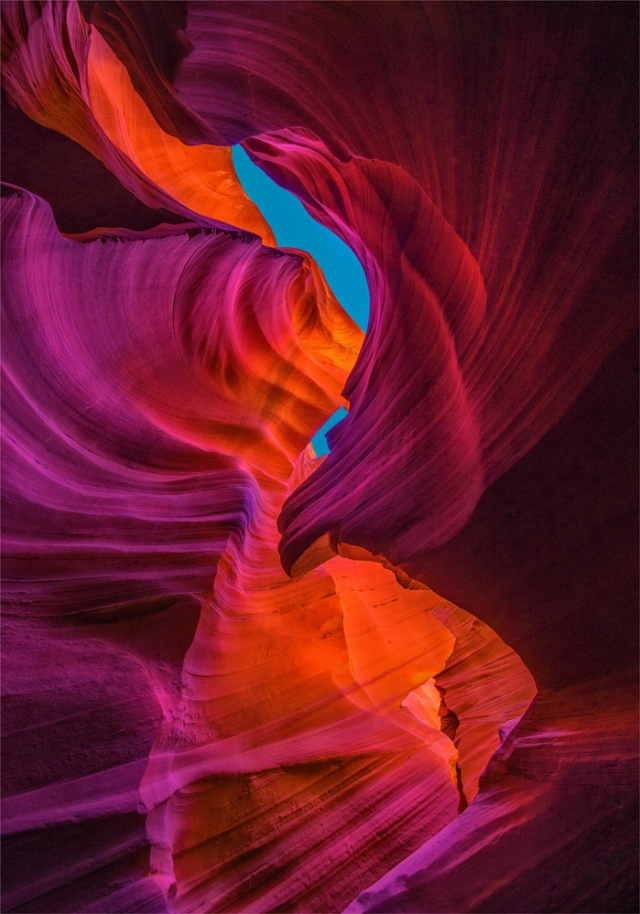 Lower-Antelope-Canyon-A0-21x30