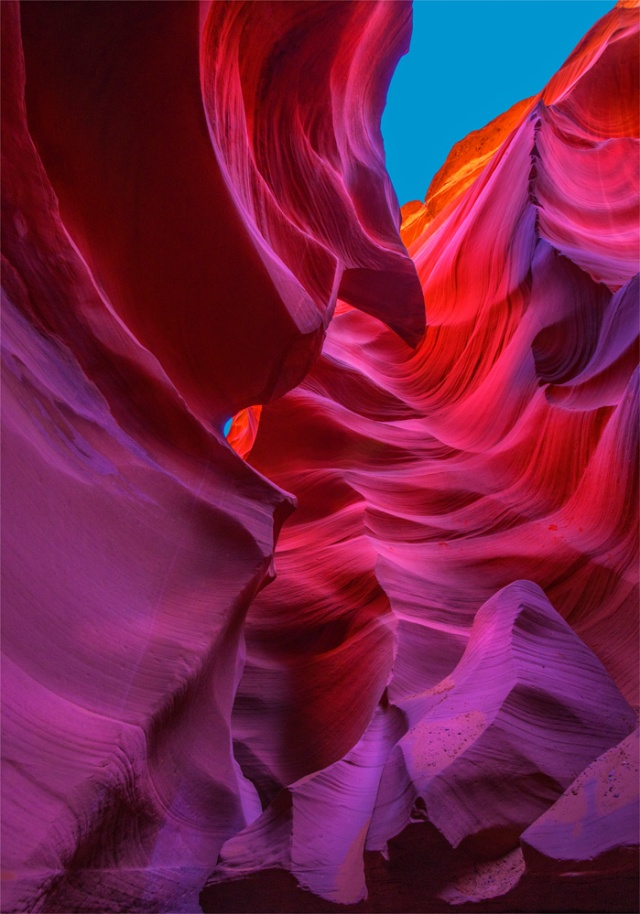 Lower-Antelope-Canyon-U03-21x30