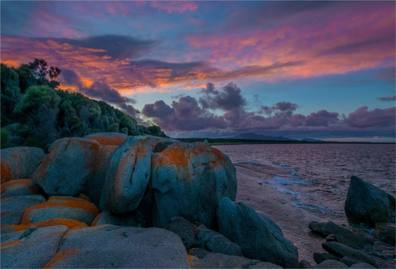 Blue-Rocks-Sunrise--FI0417-17x25