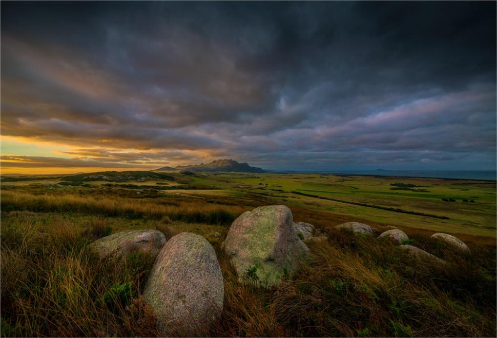 Flinders-Dawn-from-Wireless-Hill-FI0411-17x25