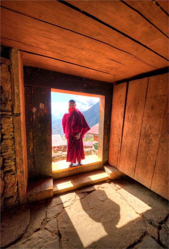 Monk-Gasa-Dzong-BHU058-17x25 copy