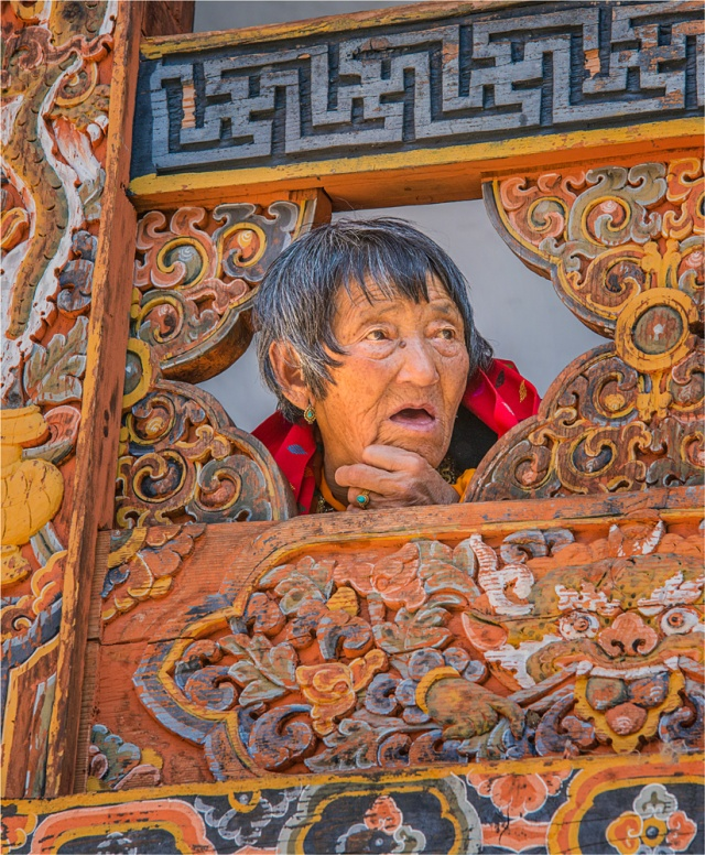Old-Lady-Punakha-BHU0154-14x17