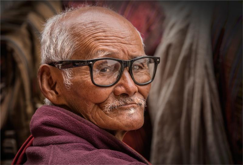 Old-Man-Punakha-BHU070-17x25