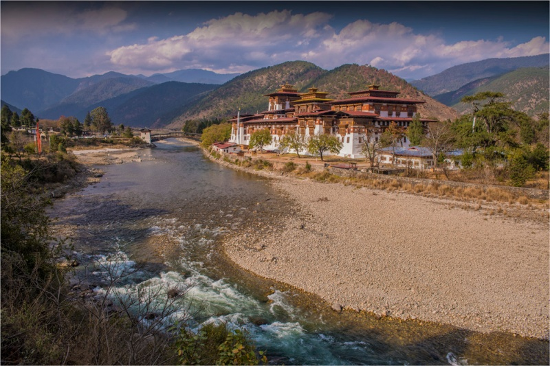 Punakha-Dzong-BHU002-16x24 copy