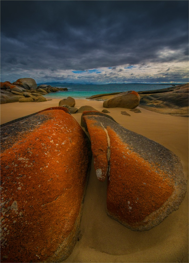 The-Secret-Beach-Settlement-Bay-FI0399-18x25