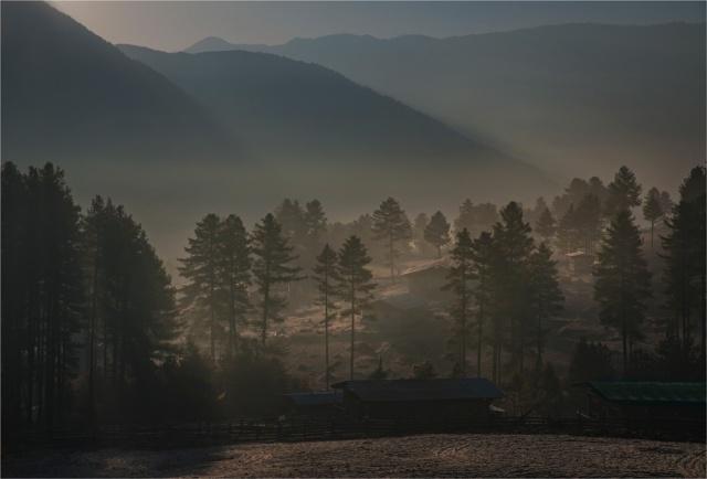 Trongsa-Dawn-BHU0149-17x25