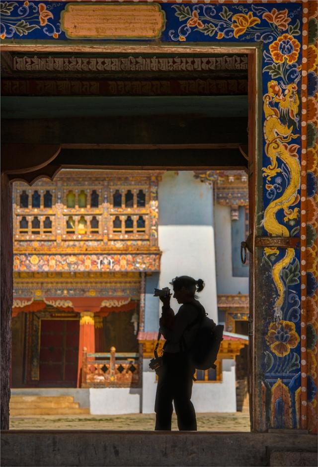Trongsa-Dzong-BHU095-17x25