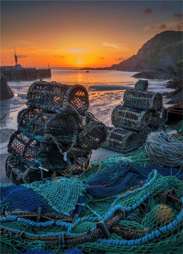 Fishing-Nets-Pots-Ilfracombe-E0-18x25