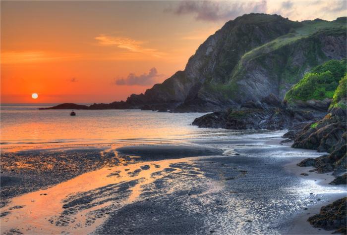 Ilfracombe-Coastline-Dawn-E010-17x25