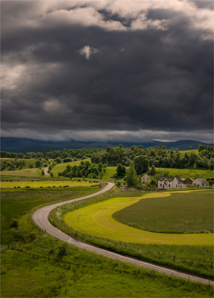 Country-Road-Cairngorms-SCT0422-18x25