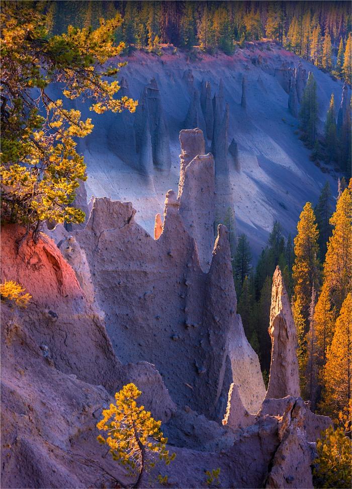 Crater-Lake-NP-Pinnacles-2015-09-US-ORE053-18x25