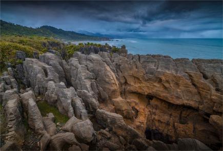 Pancake-Rocks-Punakaiki-2016-NZ067-17x25