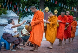 luang-prabang-2016-laos-634-17x25