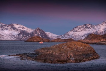 Henningsvaer-Dawn-2018NOR-6942