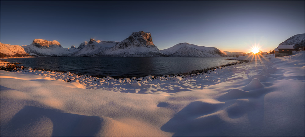 Bergsbotn-Sunset-03042020-Senja-Island-NOR-004-Panorama