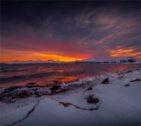Dusk-Winter-Light-02282020-Tromso-NOR-034