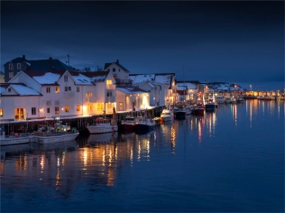 Henningsvaer-Evening-Lofoten-03072020-NOR-001